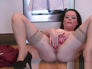 Adorable Milf Sarah Kelly Shafting Good Tender Step-son