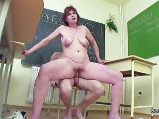 Mom Teacher Butter up 18yr bozo to Vindicate Fancy in School