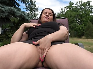 What a great day for the chubby mom to get slutty