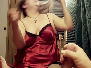 This woman is the sort of slut you would love to go down on you and she's nasty