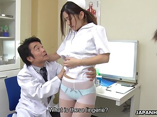 Young Japanese nurse Anna Kimijima gives a blowjob to patient hasten physician
