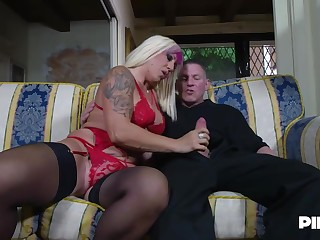 Christie Dom is bellyaching cramp dimension four younger guys are fucking her brains out, at level pegging time