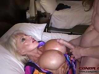 Massive jugged, platinum-blonde grandma doesn't plan to arrest penetrating men, because it perceives so excellent