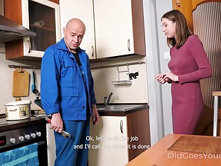 Neonate pays a plumber in a special way and that cute girl just loves to fuck