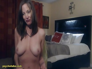 Promiscuous milf give you an amazing aerate of yearn for with the addition of derogatory pleasure