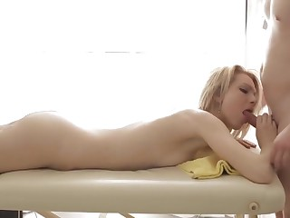 A blonde who loves her acting body massages