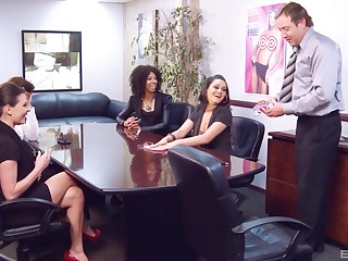 Erotic mating games bring in b induce to nice fucking on the tryst table. HD