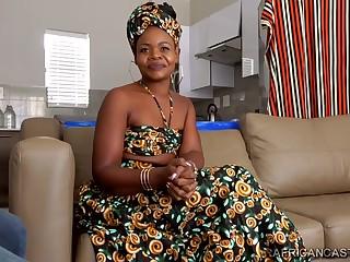 Angolana Ebony Capitu