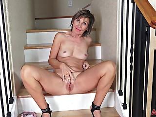 Nice adult Lillian Tesh Interview